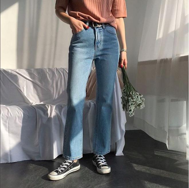 Vòng 3 có lép kẹp thì cũng chẳng sao, nhờ 4 dáng quần jeans nịnh đầm này - Ảnh 12.