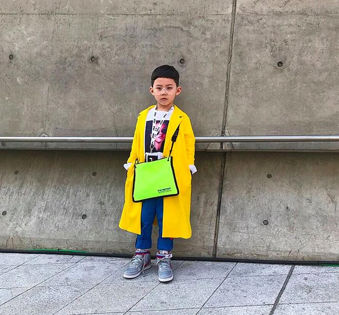 Đến hẹn lại lên, loạt nhóc tì khuấy đảo Tuần lễ Thời Trang Seoul 2018 với loạt street style cực chất cùng thần thái pose ảnh còn hơn cả người lớn  - Ảnh 19.