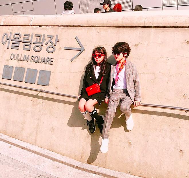 Đến hẹn lại lên, loạt nhóc tì khuấy đảo Tuần lễ Thời Trang Seoul 2018 với loạt street style cực chất cùng thần thái pose ảnh còn hơn cả người lớn  - Ảnh 24.