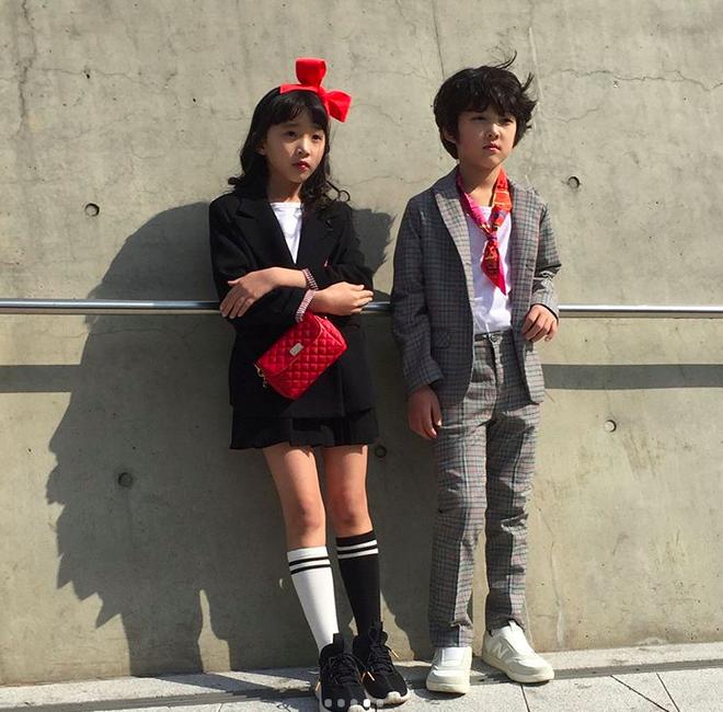 Đến hẹn lại lên, loạt nhóc tì khuấy đảo Tuần lễ Thời Trang Seoul 2018 với loạt street style cực chất cùng thần thái pose ảnh còn hơn cả người lớn  - Ảnh 25.