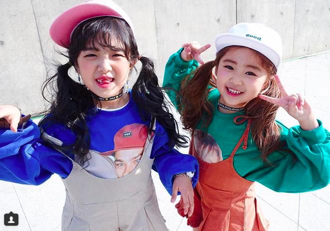Đến hẹn lại lên, loạt nhóc tì khuấy đảo Tuần lễ Thời Trang Seoul 2018 với loạt street style cực chất cùng thần thái pose ảnh còn hơn cả người lớn  - Ảnh 11.