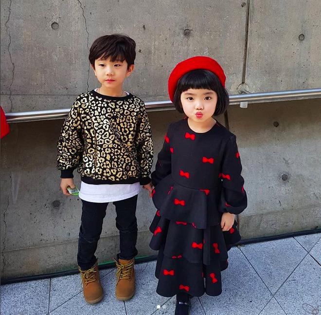 Đến hẹn lại lên, loạt nhóc tì khuấy đảo Tuần lễ Thời Trang Seoul 2018 với loạt street style cực chất cùng thần thái pose ảnh còn hơn cả người lớn  - Ảnh 31.