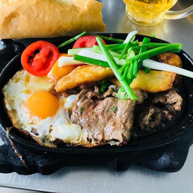 Check list 4 món bánh mì quen thuộc, ăn dễ ghiền của Việt Nam - Ảnh 8.