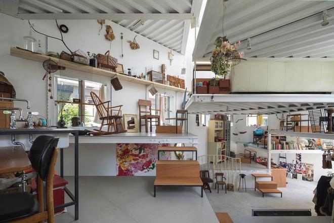 Ngôi nhà nhỏ 2 tầng nhưng có tới 13 không gian riêng nhờ thiết kế thông minh và ấn tượng của KTS người Nhật - Ảnh 4.
