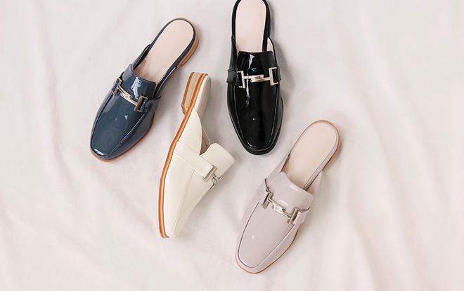 Không phải sneaker hay cao gót lênh khênh, giày khuyết gót là món đồ nàng công sở cần sắm ngay trong hè này - Ảnh 22.