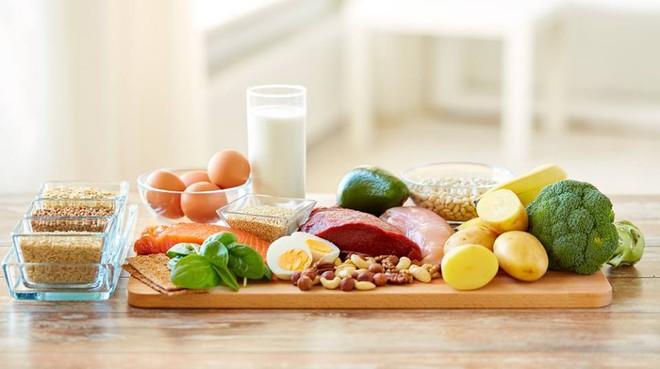 Chuyên gia dinh dưỡng hướng dẫn cách bổ sung chất đạm để trẻ phát triển tốt nhất - Ảnh 1.