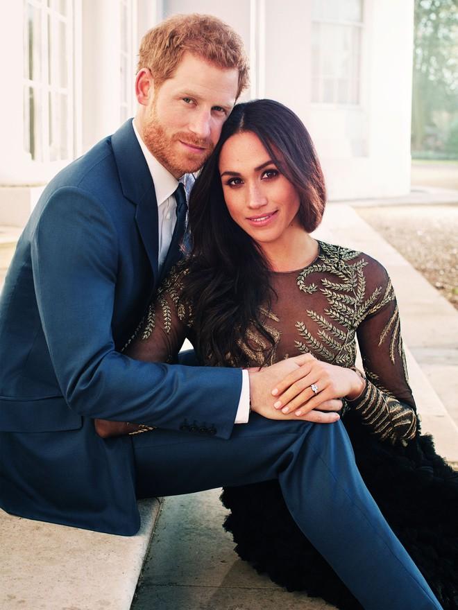 Vài thông tin nhỏ giọt xung quanh chiếc váy mà Meghan Markle sẽ mặc trong lễ cưới Hoàng gia sắp tới - Ảnh 3.