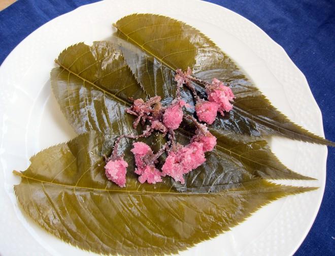 11 món ngon đẹp đến không nỡ ăn rất phổ biến trong mùa hoa anh đào Nhật Bản - Ảnh 4.