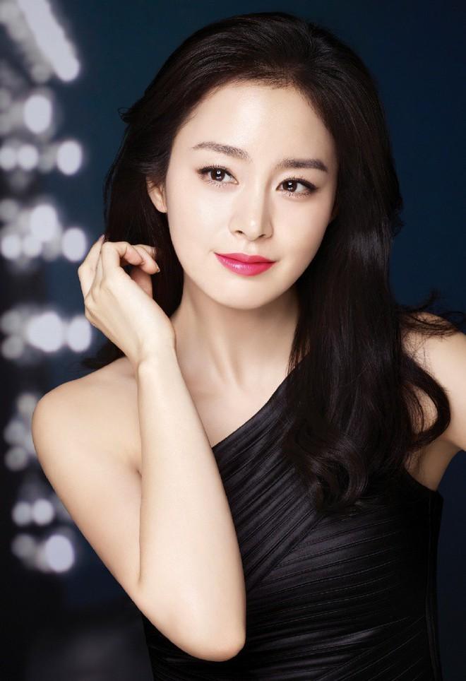 Bạn có biết: 29/3 là ngày có 3 nữ thần hàng đầu Kim Tae Hee, Irene và Sulli cùng ra đời? - Ảnh 2.