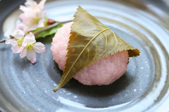 11 món ngon đẹp đến không nỡ ăn rất phổ biến trong mùa hoa anh đào Nhật Bản - Ảnh 6.