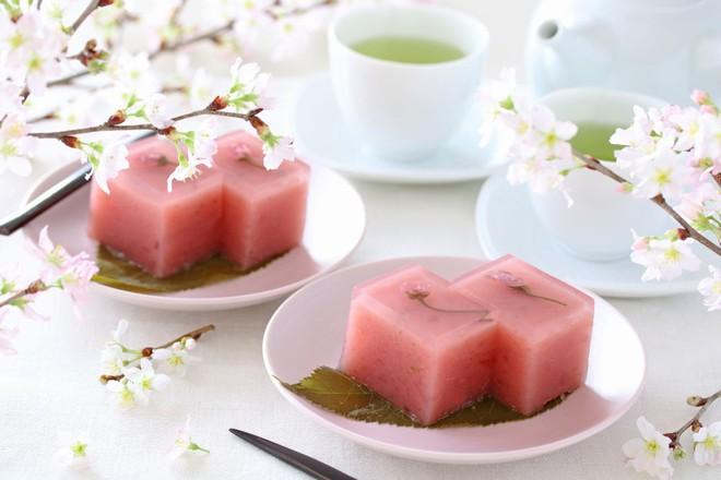 11 món ngon đẹp đến không nỡ ăn rất phổ biến trong mùa hoa anh đào Nhật Bản - Ảnh 12.