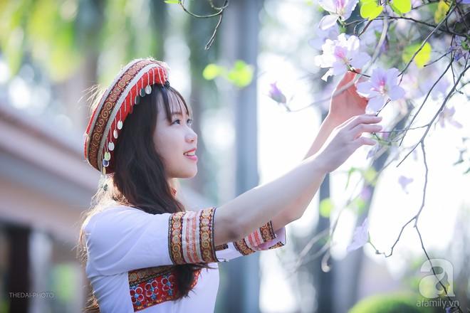 Xao xuyến và êm dịu những sắc hoa tháng 3 Hà Nội - Ảnh 21.