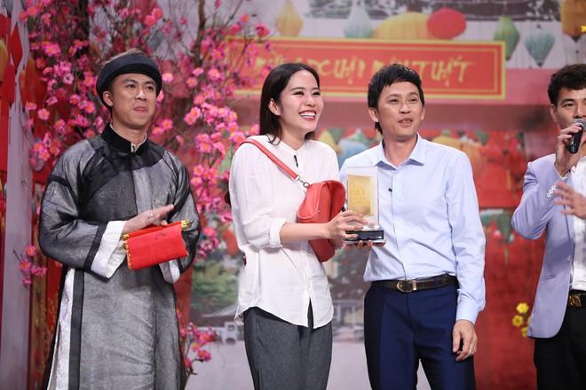 Hoa khôi Nam Em khóc 3 ngày vì lời nói xúc động của Hoài Linh - Ảnh 5.