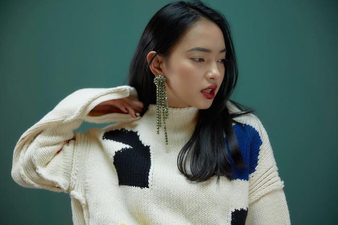 Vừa lên kệ, họa tiết mảng màu của H&M Studio đã được chưng diện toàn cầu, cánh fashionista Việt nào có kém cạnh - Ảnh 2.