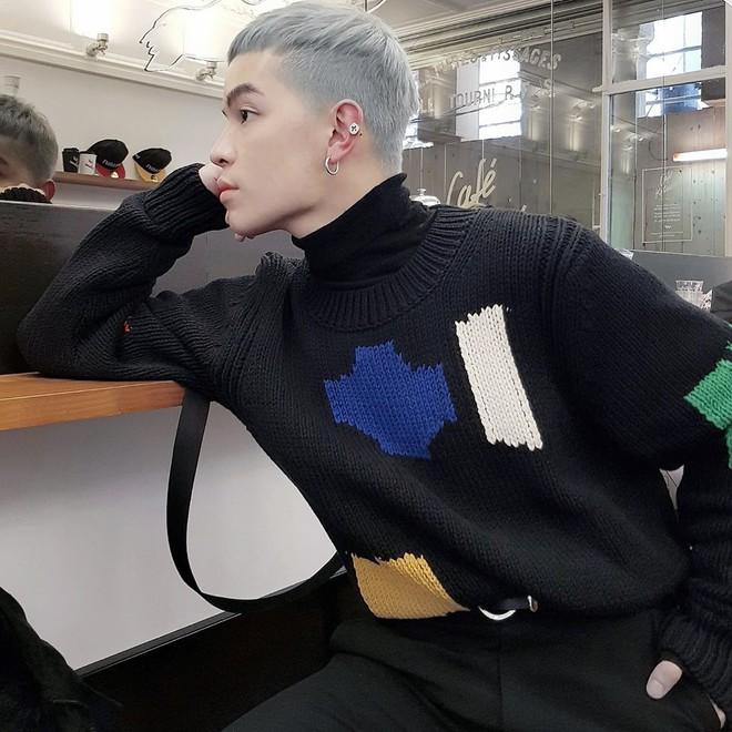 Vừa lên kệ, họa tiết mảng màu của H&M Studio đã được chưng diện toàn cầu, cánh fashionista Việt nào có kém cạnh - Ảnh 1.