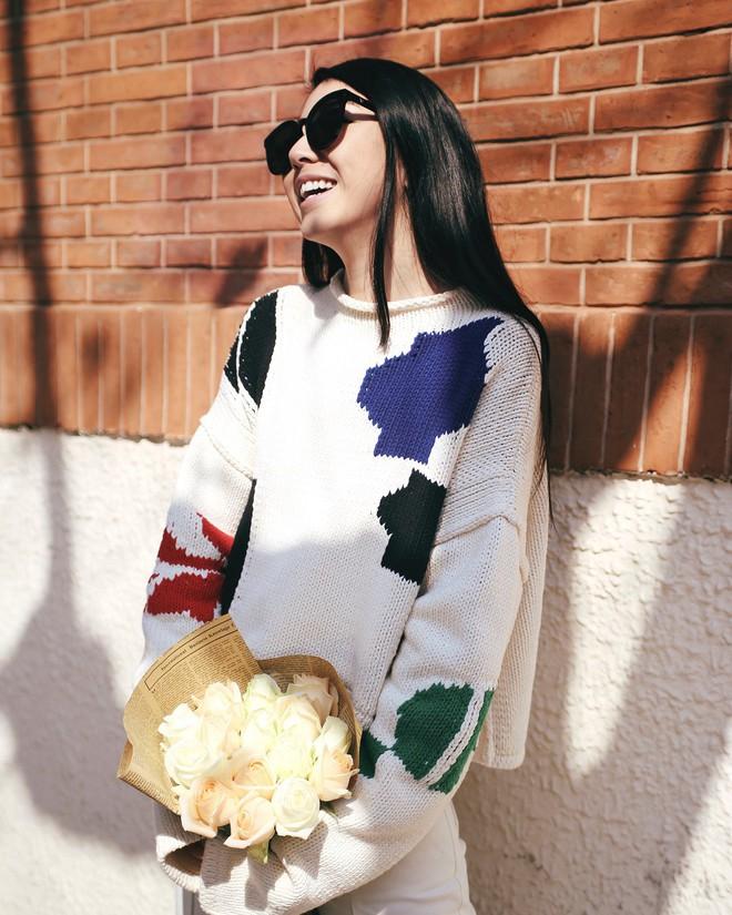 Vừa lên kệ, họa tiết mảng màu của H&M Studio đã được chưng diện toàn cầu, cánh fashionista Việt nào có kém cạnh - Ảnh 6.