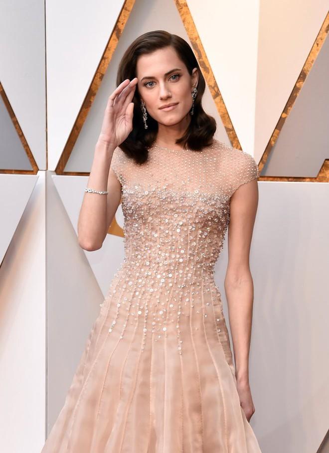 Thảm đỏ Oscar 2018: Cuộc chiến sắc đẹp giữa các nữ thần nhan sắc hàng đầu Hollywood - Ảnh 5.