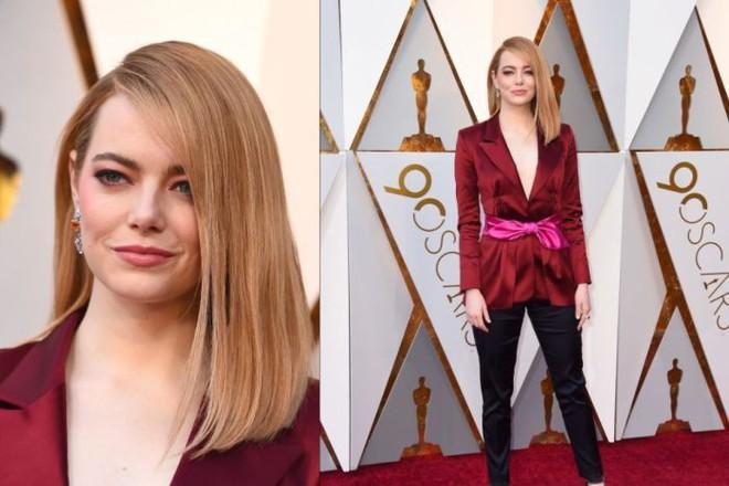 Không hổ danh là nữ thần thảm đỏ, mỹ nhân La La Land Emma Stone diện quần áo giản đơn vẫn thần thái xuất sắc - Ảnh 1.