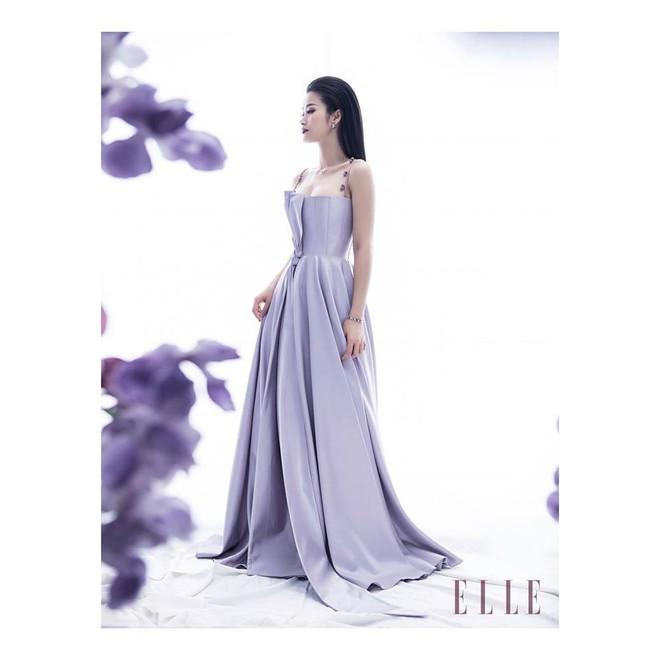 Khoe sắc vóc thanh tân trong chiếc đầm tím chuẩn trend, Quỳnh Anh Shyn nào có kém đàn chị Đông Nhi - Ảnh 3.