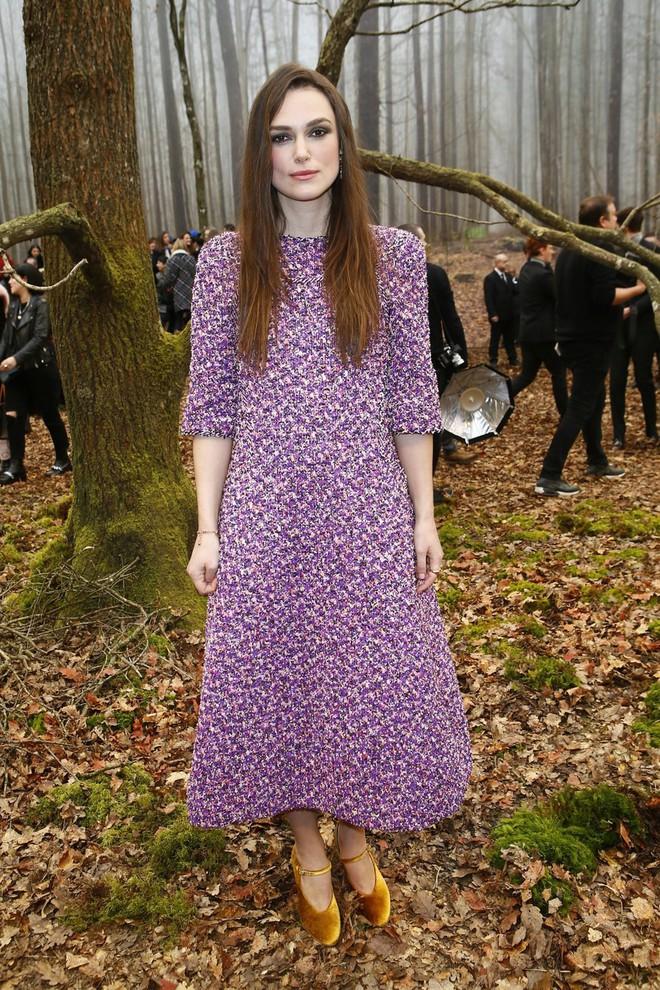Có show nào xôm hơn Chanel: Dàn sao hot Hoa-Hàn-Thái hội tụ, cùng lạc lối trong khu rừng mùa thu - Ảnh 11.