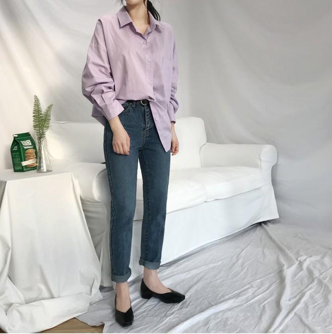 Tưởng sến mà lại xinh bất ngờ, sơ mi màu tím lavender dễ trở thành chiếc áo hot nhất mùa xuân này mà bạn nên để mắt tới - Ảnh 7.