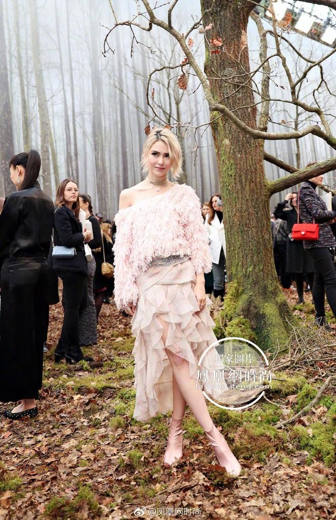 Có show nào xôm hơn Chanel: Dàn sao hot Hoa-Hàn-Thái hội tụ, cùng lạc lối trong khu rừng mùa thu - Ảnh 8.