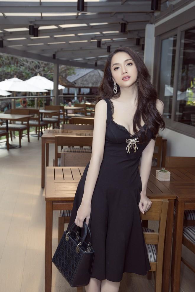 Cùng ngắm lại những thiết kế Việt giúp Hương Giang tỏa sáng tại Hoa hậu chuyển giới quốc tế 2018 - Ảnh 1.