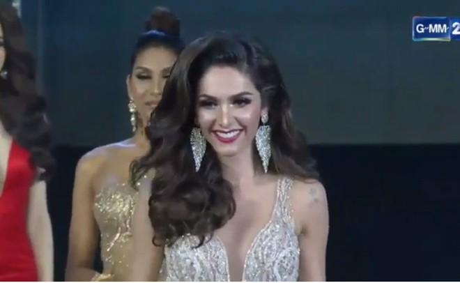 Trực tiếp: Hương Giang xuất sắc lọt top 12 Miss International Queen 2018 - Ảnh 3.