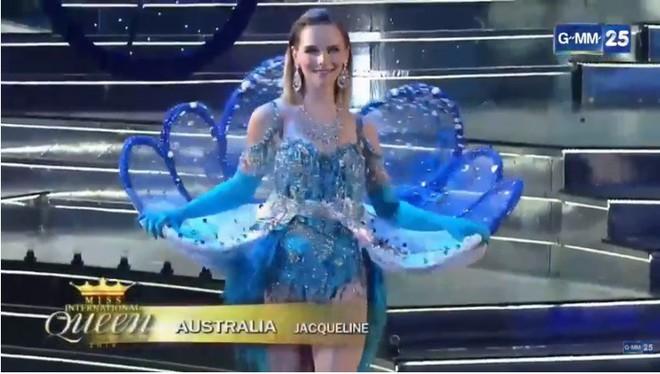 Trực tiếp: Hương Giang xuất sắc lọt top 12 Miss International Queen 2018 - Ảnh 19.