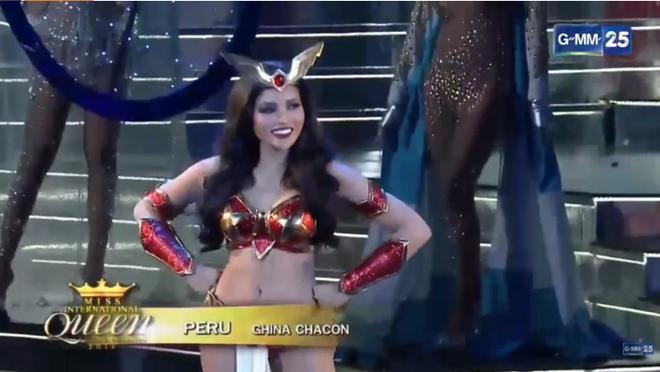 Trực tiếp: Hương Giang xuất sắc lọt top 12 Miss International Queen 2018 - Ảnh 21.