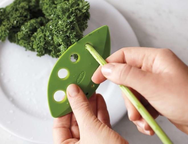 6 dụng cụ cắt gọt hô biến việc bếp núc nhanh trong chớp mắt - Ảnh 2.