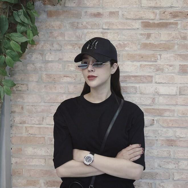 Hậu 8/3, người đẹp Việt khoe quà khủng với loạt đồ hiệu xa xỉ - Ảnh 5.