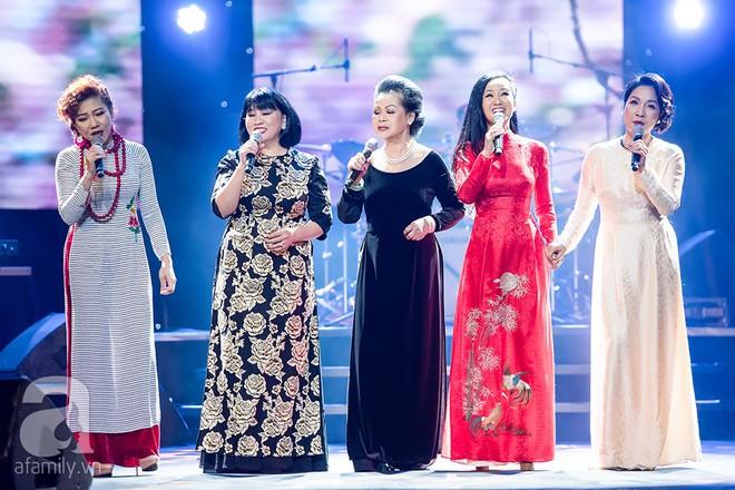 Danh ca Khánh Ly khen ngợi Hồng Nhung: Trịnh Công Sơn đã không lầm khi chọn cô ấy - Ảnh 10.