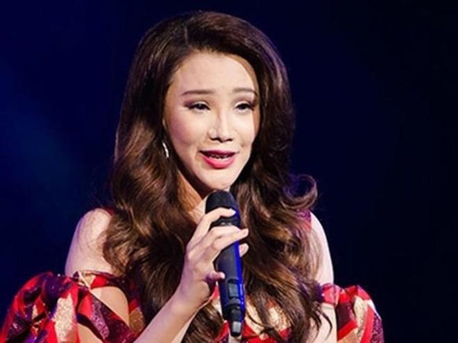 """Trước """"chiếc cằm nhọn"""" của Minh Hằng, fan hâm mộ nhiều lần ngã ngửa với những nghi án PTTM hỏng của các sao Việt này - Ảnh 8."""