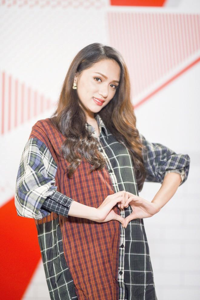 Sau Hari Won - Trấn Thành, đến lượt Hoa hậu Hương Giang mang bầu - Ảnh 5.