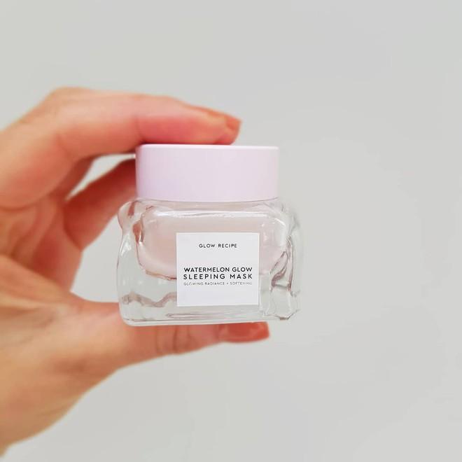 Mặt nạ màu hồng thơm nức mùi dưa hấu, giúp da căng bóng chỉ sau một đêm đang là chân ái của nhiều cô nàng trên Instagram - Ảnh 11.