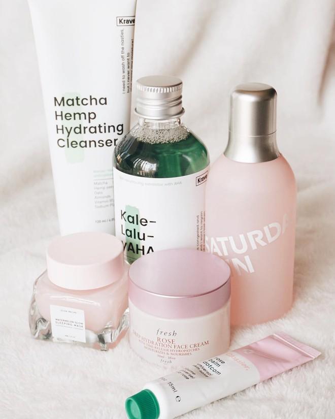 Mặt nạ màu hồng thơm nức mùi dưa hấu, giúp da căng bóng chỉ sau một đêm đang là chân ái của nhiều cô nàng trên Instagram - Ảnh 10.