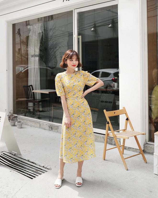 Hè 2018 đúng là mùa mặc váy hoa rồi, hot nhất đang là 3 kiểu váy cực xinh xẻo và nữ tính này - Ảnh 11.