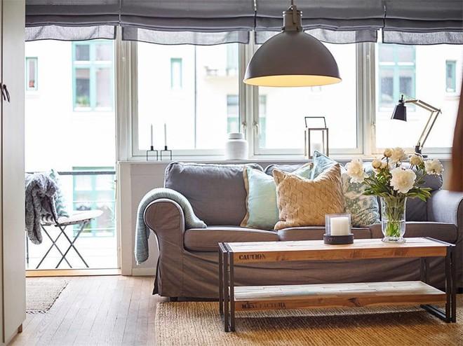 Cùng học cách trang trí căn hộ với diện tích 27m² thật đơn giản nhưng siêu ấm cúng nhờ những mẹo hay này - Ảnh 1.