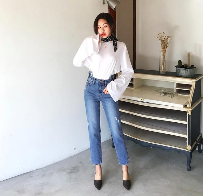 Định mặc quần jeans ống đứng, các nàng hãy chọn 1 trong 4 combo cứ lên đồ là đẹp miễn chê này - Ảnh 4.