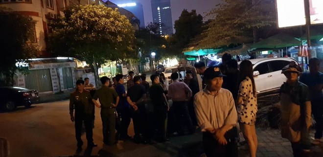 Hà Nội: Công an đang xác minh danh tính nạn nhân vụ tai nạn kinh hoàng trong đêm - Ảnh 1.