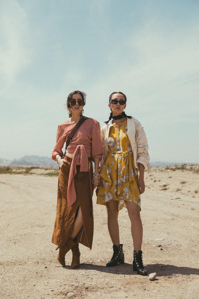 Khởi động mùa du lịch qua loạt street style siêu thú vị của các quý cô châu Á - Ảnh 1.