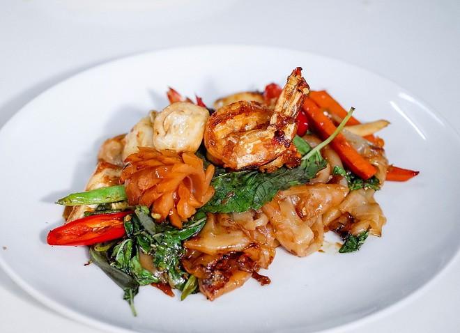 Quán ăn vỉa hè giá cao như nhà hàng đạt được ngôi sao Michelin danh giá ở Thái Lan, mỗi ngày chỉ phục vụ đúng 50 khách - Ảnh 9.