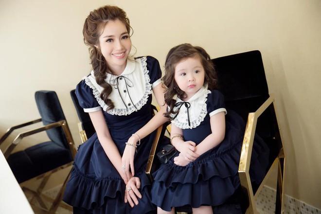 3 cặp mẹ con nhà sao Việt rất chăm mặc đồ đôi đồng điệu cùng nhau - Ảnh 7.