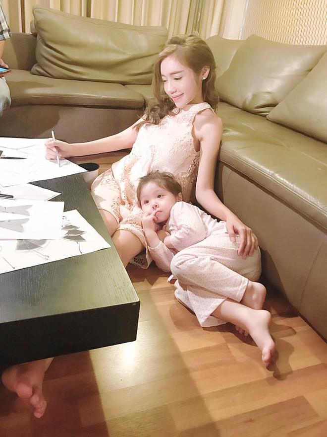 3 cặp mẹ con nhà sao Việt rất chăm mặc đồ đôi đồng điệu cùng nhau - Ảnh 3.