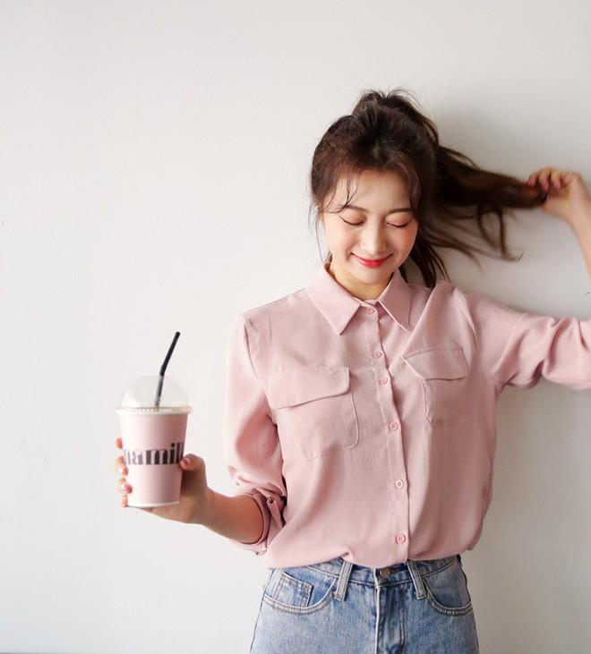 Nếu muốn vừa nữ tính lại trẻ trung như Song Hye Kyo, Phạm Băng Băng… thì đây là 5 items màu hồng mà bạn cần - Ảnh 6.