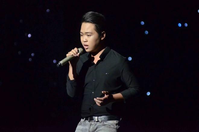 Sốc vì cảnh học trò Minh Tuyết gặp sự cố với... quần trên sân khấu - Ảnh 12.