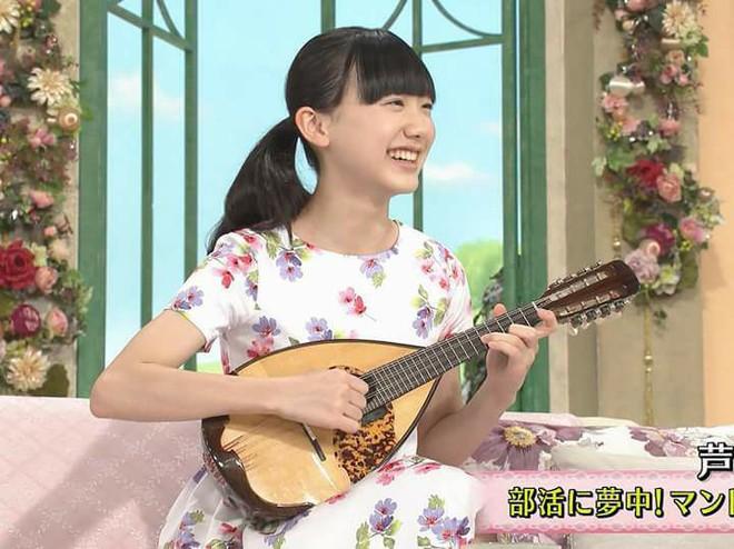 Mana-chan, cô bé đang gây sốt với clip quên người yêu cũ đi vì vẫn còn 3 tỷ đàn ông trên thế giới là ai? - Ảnh 13.