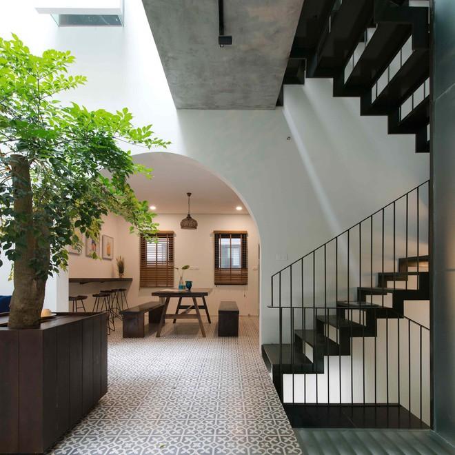 Ngắm ngôi nhà nhiều phòng ngủ mà phòng nào cũng đẹp như tranh vẽ ở Quảng Ninh - Ảnh 2.