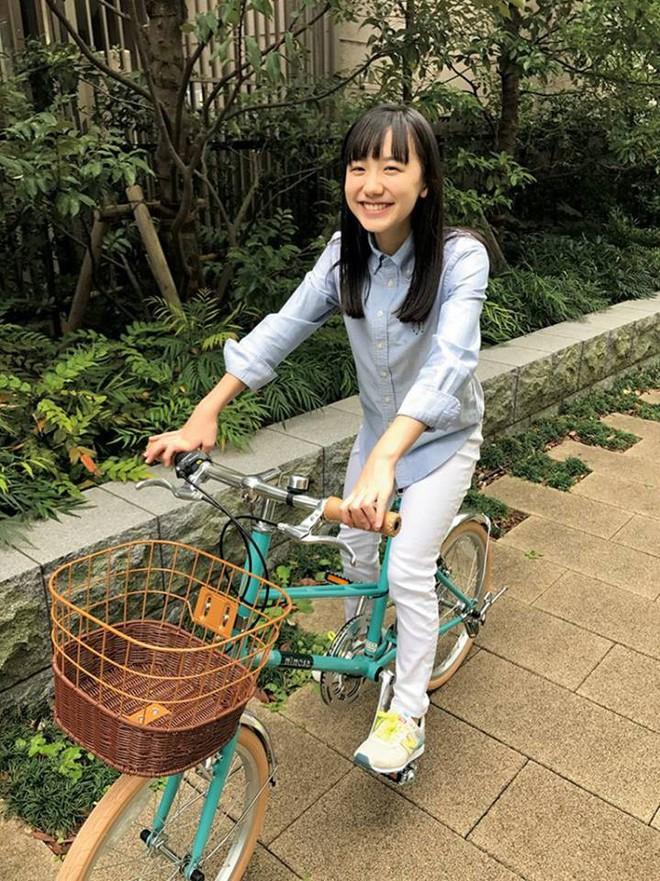Mana-chan, cô bé đang gây sốt với clip quên người yêu cũ đi vì vẫn còn 3 tỷ đàn ông trên thế giới là ai? - Ảnh 20.